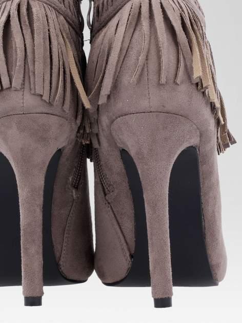 Beżowe botki faux suede Suzie open toe z frędzlami w stylu boho                                  zdj.                                  8