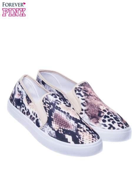 Beżowe buty slip on we wzór animal print                                  zdj.                                  2