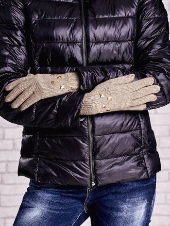 Beżowe rękawiczki z ćwiekami i ściągaczem                                  zdj.                                  3