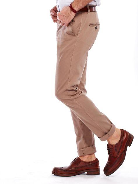 Beżowe spodnie męskie chinosy                                  zdj.                                  9