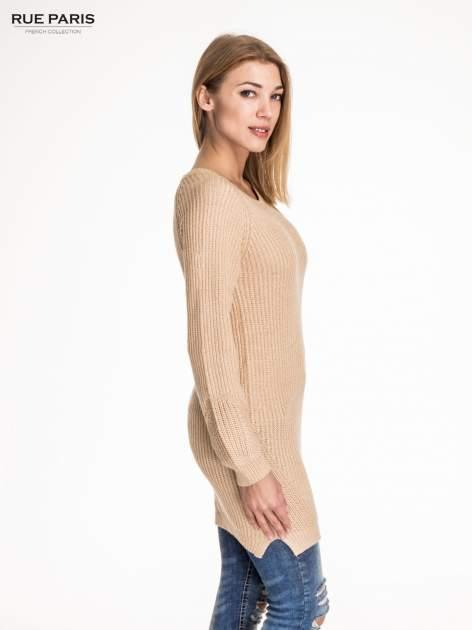 Beżowy długi sweter z suwakiem z tyłu                                  zdj.                                  3