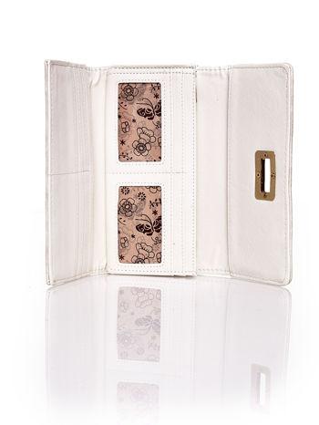 Beżowy fakturowany portfel ze stylizowanym zapięciem                                   zdj.                                  4