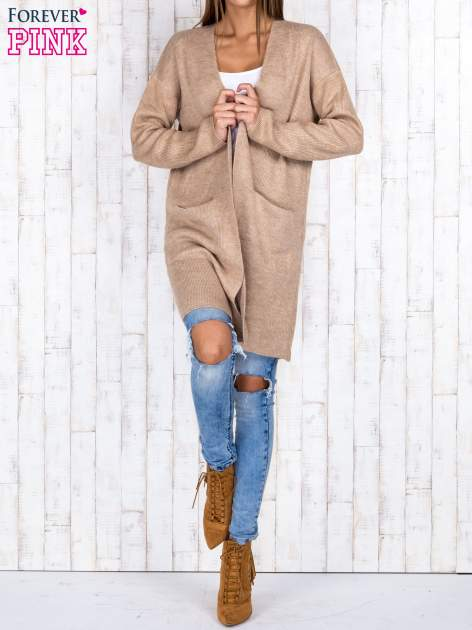Beżowy otwarty sweter z kieszeniami z przodu                                  zdj.                                  4