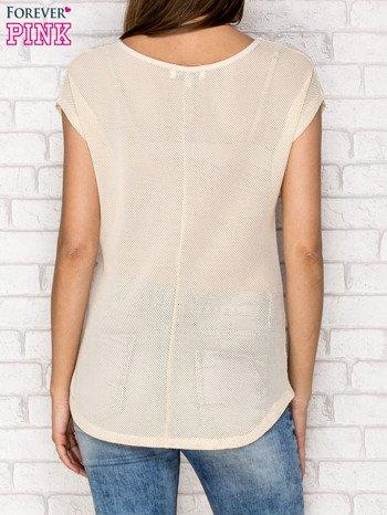 Beżowy siateczkowy t-shirt z literą A z dżetami                                  zdj.                                  2