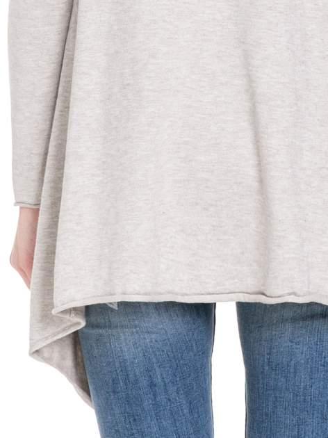 Beżowy sweter narzutka o kroju waterfall                                  zdj.                                  8