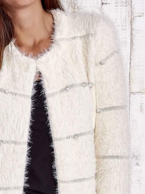 Beżowy sweter z koralikami shamballa                                  zdj.                                  6
