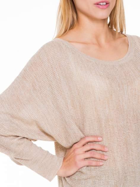 Beżowy sweter z nietoperzowymi rękawami                                  zdj.                                  5