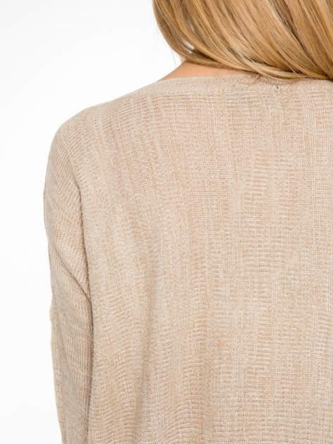 Beżowy sweter z nietoperzowymi rękawami                                  zdj.                                  6