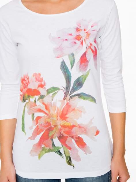 Biała bawełniana bluzka z motywem kwiatowym                                  zdj.                                  7