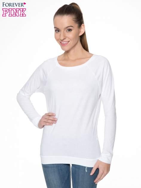 Biała bawełniana bluzka z rękawami typu reglan