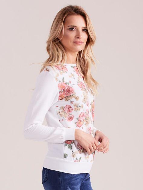 Biała bluza damska w kwiaty                              zdj.                              3