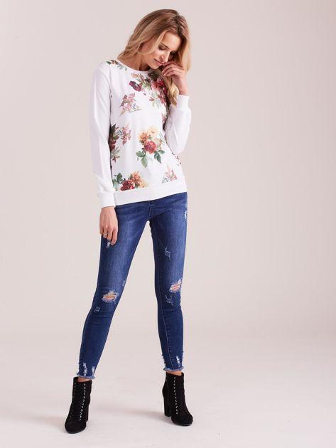 Biała bluza retro w kwiaty                              zdj.                              1
