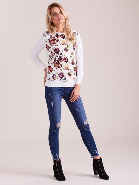 Biała bluza vintage z nadrukiem kwiatów                              zdj.                              4