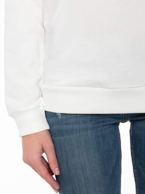 Biała bluza z nadrukiem tekstowym OÙI                                  zdj.                                  6