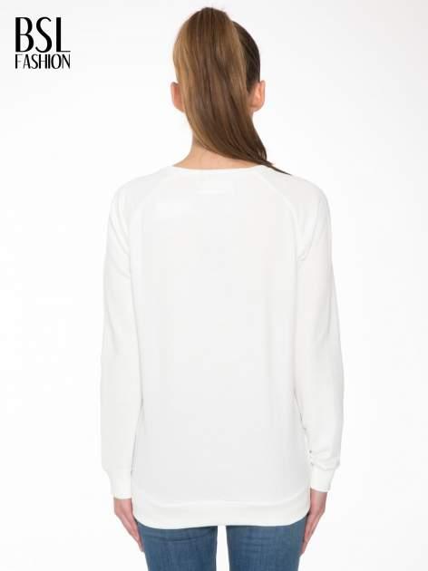 Biała bluza z nadrukiem tekstowym OÙI                                  zdj.                                  4