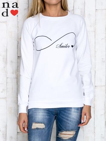 Biała bluza z napisem SMILER