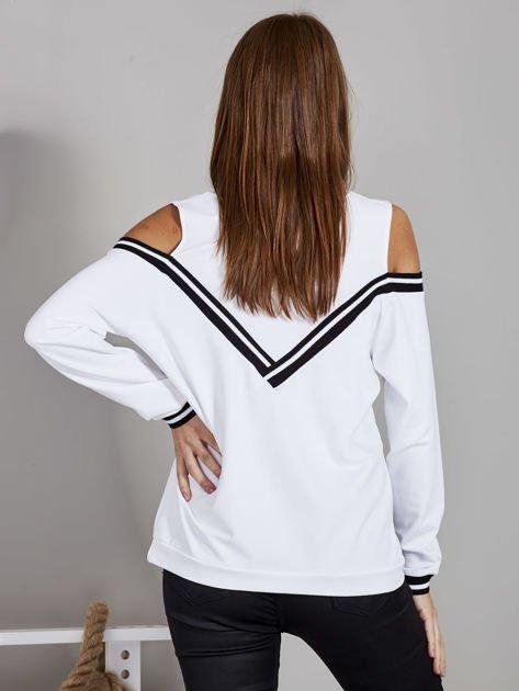 Biała bluza z ukośnymi ściągaczami                              zdj.                              2