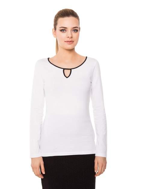 Biała bluzka z kontrastową lamówką z dekoltem w łezkę                                  zdj.                                  2