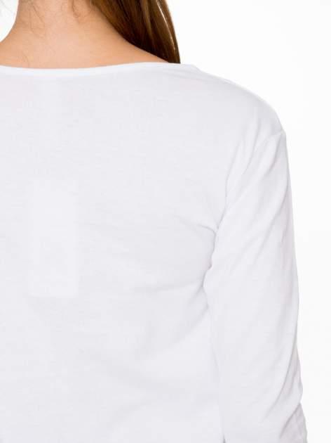 Biała bluzka z motywem kwiatowym i napisem ADORABLE                                  zdj.                                  9
