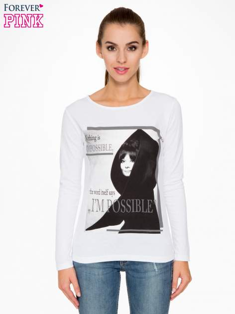 Biała bluzka z nadrukiem Audrey Hepburn                                  zdj.                                  1