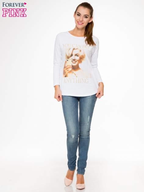 Biała bluzka z nadrukiem Marylin Monroe                                  zdj.                                  2