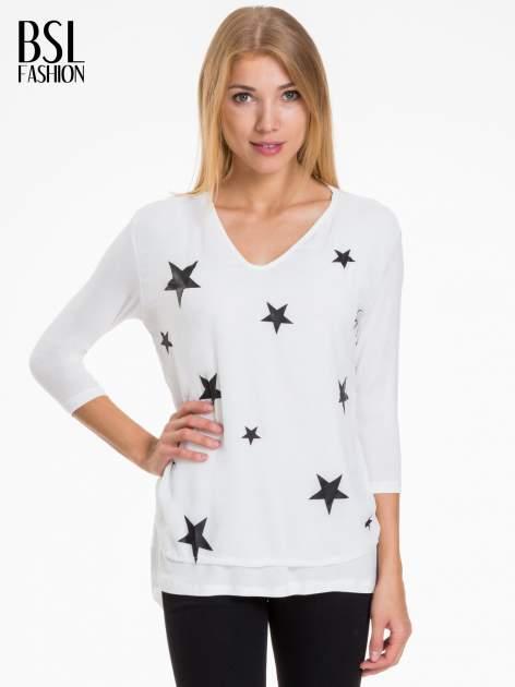 Biała bluzka z nadrukiem czarnych gwiazdek                                  zdj.                                  1