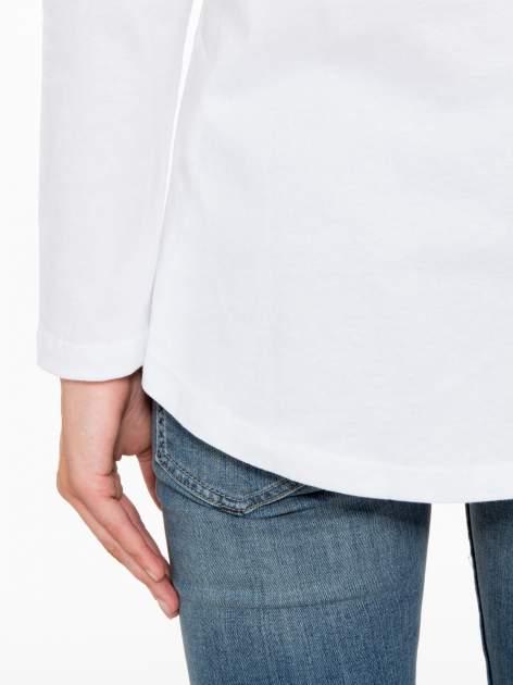 Biała bluzka z napisem CRAZY i nadrukiem fashionistek                                  zdj.                                  11