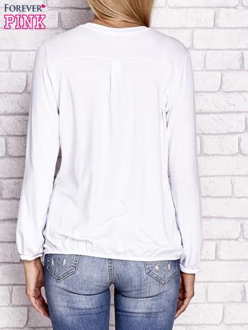 Biała bluzka ze ściągaczem na dole                                  zdj.                                  4