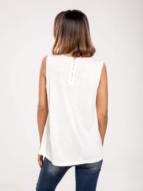 Biała dwuwarstwowa bluzka                                  zdj.                                  2