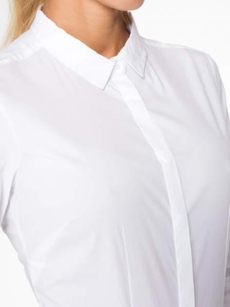 Biała elegancka koszula damska z krytą listwą                                  zdj.                                  5