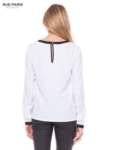 Biała elegancka koszula z kontrastową listwą i dekoltem                                  zdj.                                  3