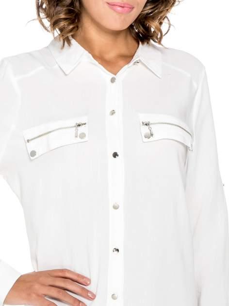 Biała elegancka koszula z suwakami i napami                                  zdj.                                  6