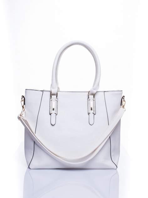 Biała fakturowana torba z odpinanym paskiem