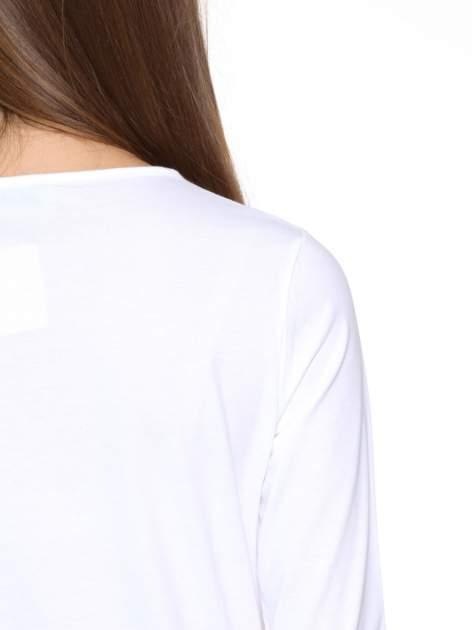 Biała gładka bluzka z dłuższym tyłem                                  zdj.                                  9