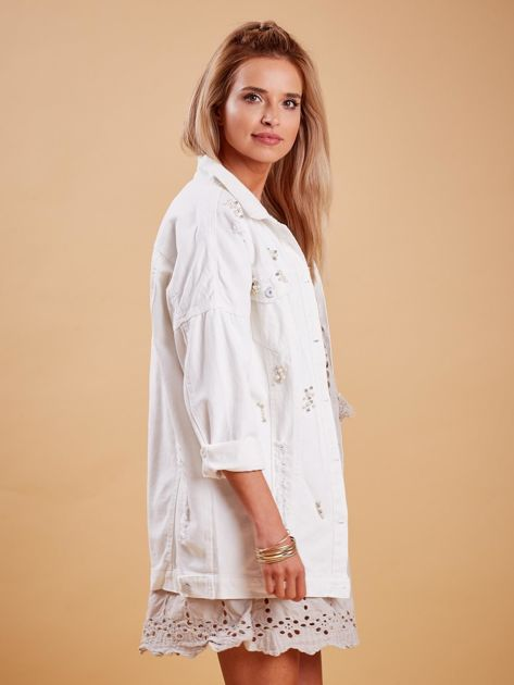 Biała jeansowa kurtka z perełkami                              zdj.                              3