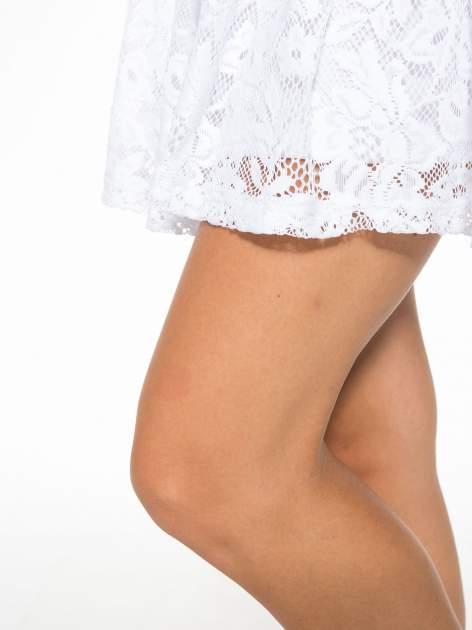 Biała koronkowa mini spódniczka na gumkę                                  zdj.                                  8