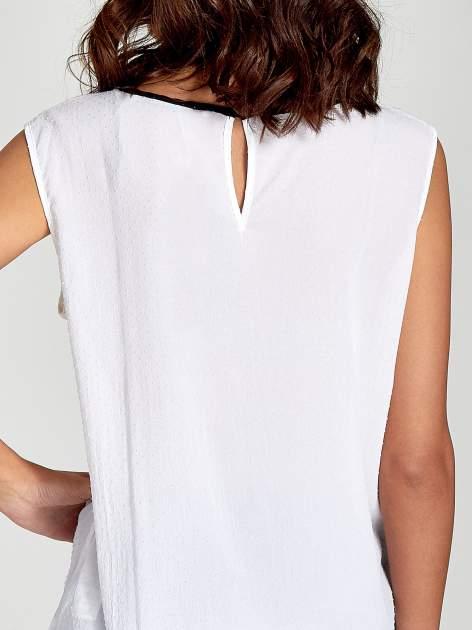 Biała koszula w kropki z kontrastową lamówką                                  zdj.                                  6
