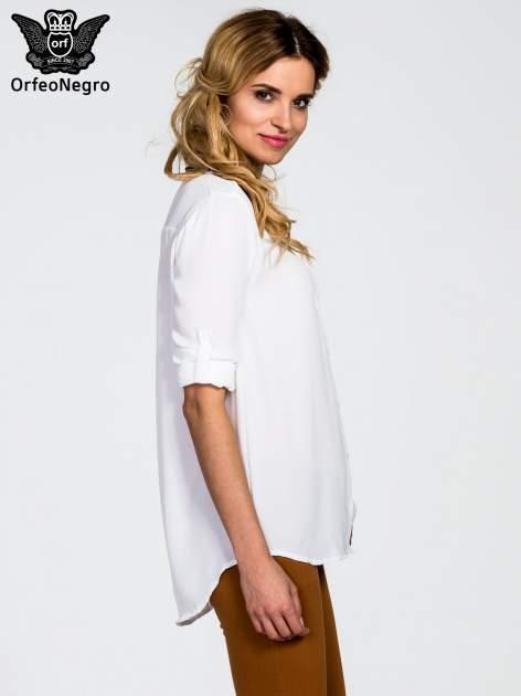 Biała koszula z kołnierzykiem zdobionym cekinami i kieszonką                                  zdj.                                  5