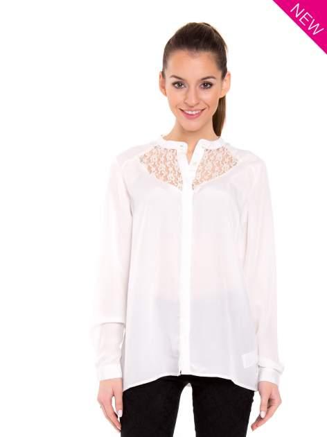 Biała koszula z koronkowym żabotem w stylu wiktoriańskim                                  zdj.                                  2
