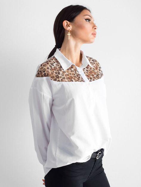 Biała koszula z panterkową wstawką                              zdj.                              3