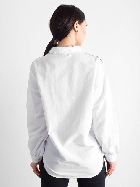 Biała koszula z panterkową wstawką                              zdj.                              2