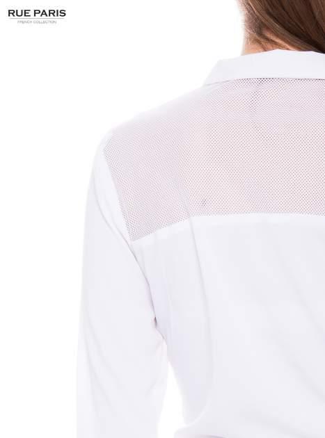 Biała koszula z siateczkowym tyłem                                  zdj.                                  3