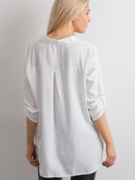 Biała luźna koszula                              zdj.                              2