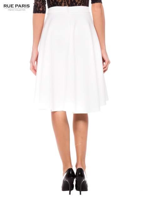 Biała neoprenowa spódnica midi szyta z koła                                  zdj.                                  4