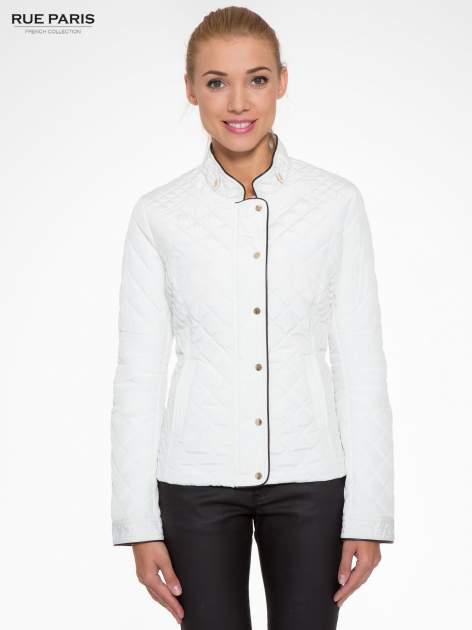 Biała pikowana kurtka ze skórzaną lamówką                                  zdj.                                  1