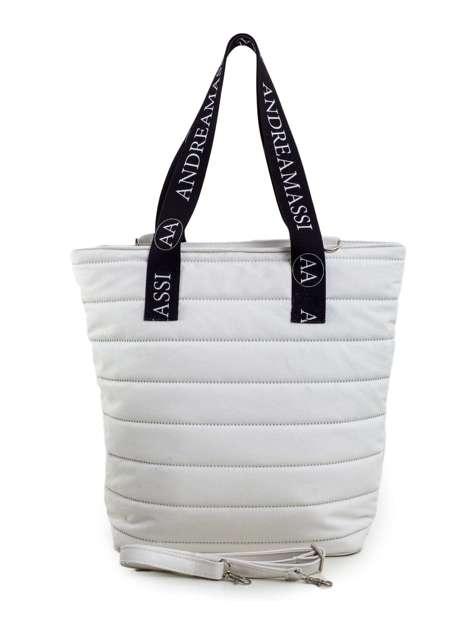 Biała pikowana torba z odpinanym paskiem