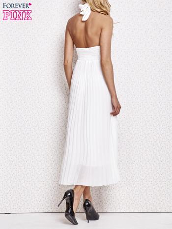 Biała plisowana sukienka maxi wiązana na plecach                                  zdj.                                  4