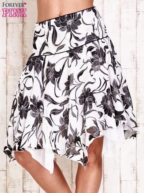 Biała spódnica w kwiaty z karczkiem