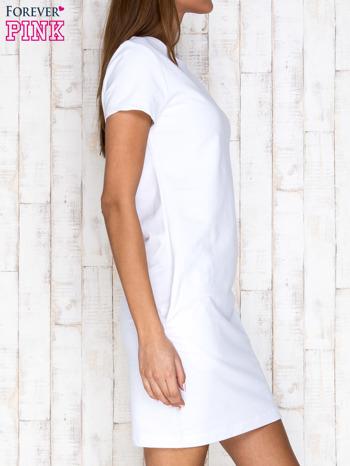 Biała sukienka dresowa z kieszeniami                                  zdj.                                  3