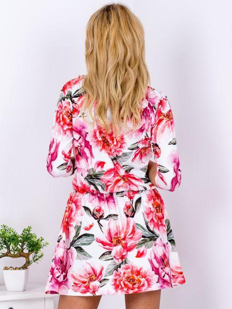 Biała sukienka floral print z gumką w pasie                              zdj.                              2